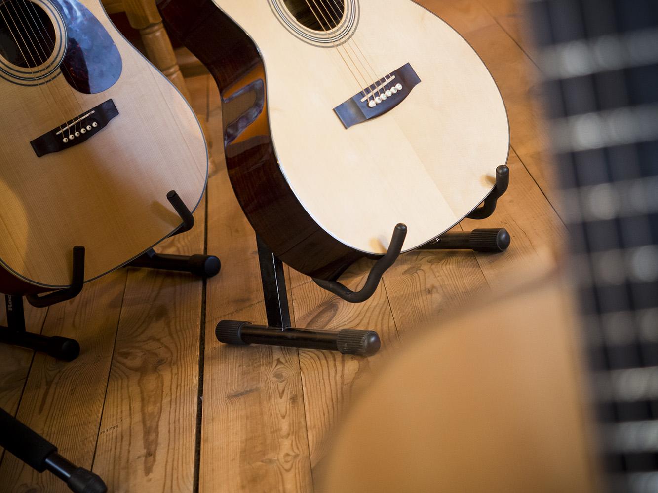 seznamovací kytary